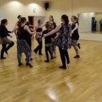 Moderner Tanz der Kinder und Jugendlichen