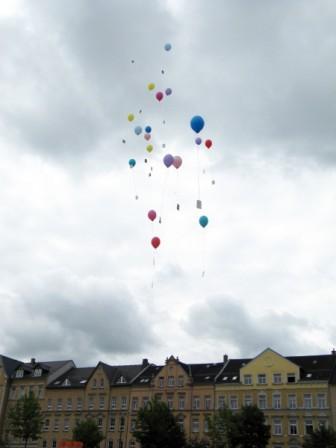 Grundsteinlegung - Luftballons mit Wünschen