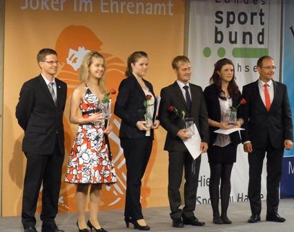 Olivia (3. von links) mit den anderen Preisträgern und Markus Ulbig (ganz rechts)