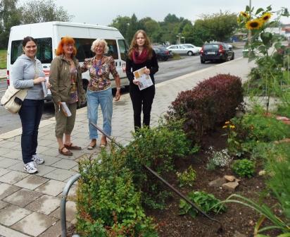 Jury mit Stadtteilmanagerin Elke Koch (2. von links)