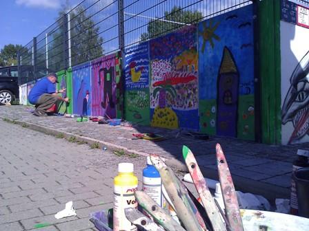 Art-Mauer 2013 - die Seite mit den Kinderbildern