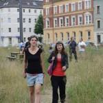 Sarah und Ellen im Park