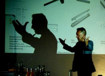 O'Brien bei seiner Präsentation
